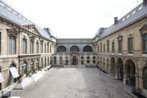 Cour d'honneur. Jean-Christophe Ballot / BnF
