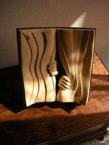 Copyright Wikilinks.fr V2.0 Les livres en bois de Nino Orlandi